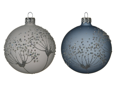GLASS DECORATIVE BAUBLE FLOWER DESIGN 2 ASS WINTER WHITE AND WINTER SKY 8CM