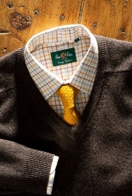 Alan Paine Streetly Lambswool Vee Neck Jumper   Classic Fit