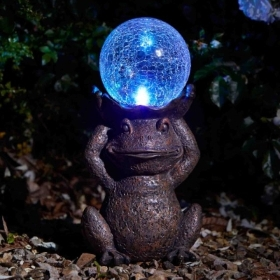 GAZING FROG SOLAR ORNAMENT