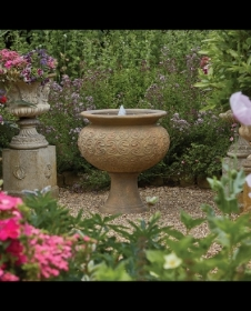 RHS ROSEMOOR WATER FEATURE INCLUDES LEDS